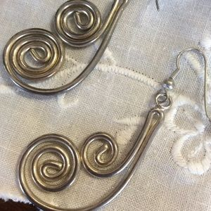 Vintage Jewelry - 💫Swirling Metal Gypsy Goddess Earrings